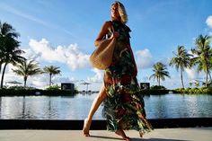Bom dia com um clique da nossa fidèle @celinalocks direto das Maldivas! Aqui é um lugar de paz um paraíso na terra conta a top que está de férias com o namorado @ronaldo. #LOFFama  via L'OFFICIEL BRASIL MAGAZINE INSTAGRAM - Fashion Campaigns  Haute Couture  Advertising  Editorial Photography  Magazine Cover Designs  Supermodels  Runway Models