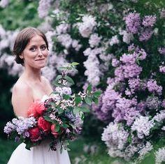 Swedish spring shoot. Lilacs and peonys. Flowers: Skillad Floral Design Foto: @matildastillvaro