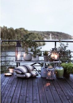 Lovely & Functional Small Terrace Design.
