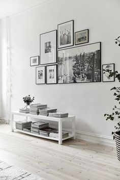A great way to incorporate large prints in a simple and modern wall collage.