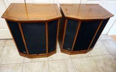 Vintage 1971 Altec Lansing Granada Floor Standing HiFi Tower Home Speakers Speakers For Sale, Best Speakers, Home Speakers, Stereo Speakers, Homemade Speakers, Altec Lansing, Speaker Stands, Vintage Records, Loudspeaker