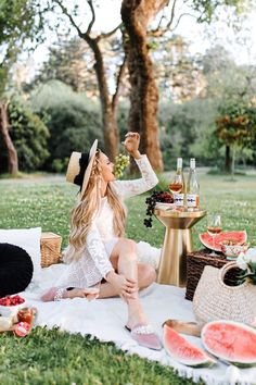 Chloe Wine Collection Rosé Picnic in Golden Gate Park - The City Blonde Table Decorations, Wine, Canning, Pretty, Furniture, Home Decor, Bobs, Romanticism, Homemade Home Decor