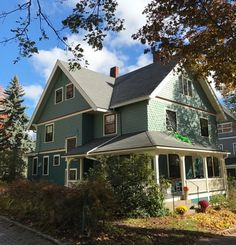 Victorian house colors. custom colors by Historic House Colors, Ann Arbor, Michigan