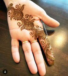 Back Hand Mehndi Designs, Finger Henna Designs, Simple Arabic Mehndi Designs, Indian Mehndi Designs, Henna Art Designs, Mehndi Designs For Girls, Mehndi Designs For Beginners, Modern Mehndi Designs, Mehndi Design Photos