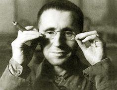 """베르톨트 브레히트 (1898.2.10 - 1956.8.14)  """"거기에 그 구름이 없었더라면 나는 그 키스마저 잊었겠지만"""""""