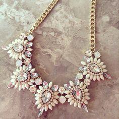 Sαмαитнα βεrиαr∂σ https://www.pinterest.com/mrssambernardo jewelry necklace