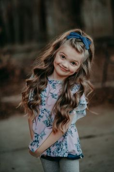 Little girl hairstyles. Bow from top from Toddler Hairstyles Girl bow fancylittlefox girl Hairstyles Lanayandco Top Little Girl Hairdos, Baby Girl Hairstyles, Easy Hairstyles, School Picture Hairstyles, Cute Kids Hairstyles, Little Girl Braids, Formal Hairstyles, Young Girl Haircuts, Hairstyles For Girls Easy