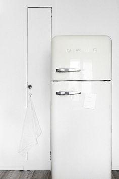 Kitchen Appliance Crush: Smeg Refrigerators   Pastell, Küchen und ...   {Kühlschrank retro weiß 90}