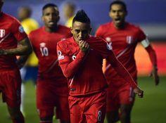 Christian Cueva puso temprano a soñar a los peruanos. Perú ingresa hoy a las estadísticas como uno de los tres equipos, junto a Uruguay y Argentina que, le hace gol a Brasil en los tres primeros minutos de un partido de Copa América.