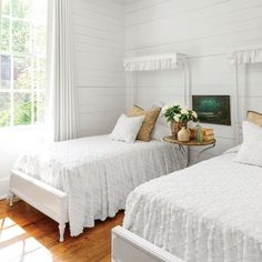 Charming Mountain Cottage: Guest Bedroom