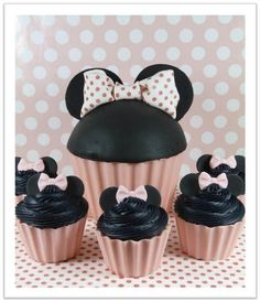 Minnie Mouse and her babies - by littlemissfairycake @ CakesDecor.com - cake decorating website
