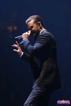 Justin Timberlake...challenge accepted... I shall touch you. Hurry up december!