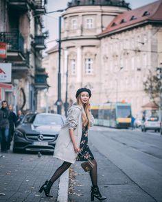 Bonjour! Poznań z dzisiejszego zdjęcia wygląda trochę jak Paryż a może to stylizacja! Ulubiona sukienka beret i przeciwdeszczowy płaszcz jak Wam się podoba? Miłego czwartku jeszcze jutro i weekend fot. @andrzejewskipawel #paris #style #zara #tights #streetatyle #photooftheday #poznan #flowerdress