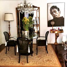 @karimakl10 | Aubusson Rug .... DEPOIS #aubussonrug #rug #decor #design #classic #chic #eterno #antique #silver #orquídea #orquid #mirror #diningroom #table #luxury #bykamy #blackamur