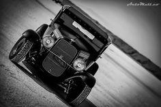 My #favoritespot (#bonnevillesaltflats) always creates an #amazingspot to #capture a #beautifulphoto.  #Saltfever #classic #Ford automutt.co