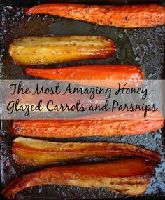 The best crowd-pleasing Christmas vegetable side dish that only takes 10 minutes to prep! Get the #recipe here: http://pinkrecipebox.com/the-most-amazing-honey-glazed-carrots-and-parsnips/