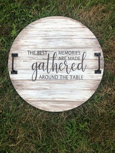 This round tray is hand painted to look like wooden shiplap. The sentiment on the tray is painted in black. The best memories are made gathered around the table. This tray is sealed and can be used as a decorative piece or as a serving tray with dishes. It it not sealed to be used as a cutting board! About this product- Dimensions-17.75 inches round x 1inch thick. Painted and sealed. Cane change the color scheme upon customers request. ( please send me a message to confirm changes before purchas Round Wooden Tray, Round Tray, Serving Tray Decor, Wooden Serving Trays, Painted Trays, Hand Painted, Painting Shiplap, Primitive Kitchen Decor, Round Kitchen
