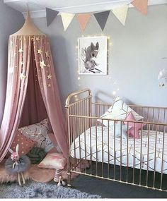 Nursery. Pink. White.