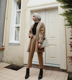 Hijab is not just about fashion, it reflects who you are, your identity 💕💕. Modest Fashion Hijab, Modern Hijab Fashion, Street Hijab Fashion, Casual Hijab Outfit, Hijab Chic, Hijab Dress, Muslim Fashion, Fashion Outfits, Sport Outfit