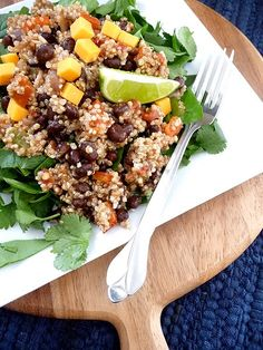 Quinoa Taco Salad and more healthy black bean recipes Healthy Black Bean Recipes, Vegetarian Recipes, Healthy Recipes, Weekly Recipes, Entree Recipes, Yummy Recipes, Dinner Recipes, Healthy Salads, Healthy Eating