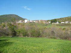 – Es posible que en Aragón no se dé un caso semejante. Pero en Anzánigo (Huesca) sucede así: los años impares se celebran las fiestas en honor de Santa Águeda, y los pares, en honor de San Se…