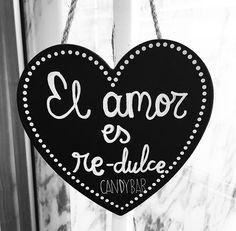 Miércoles. Fiesta Nacional. En Cádiz, llueve a cántaros. No me pueden gustar más los días así. El amor, contigo, es re-dulce.  +info: hola@lovebodasyeventos.com  LOVE #love #amor #happy #feliz #inlove #wedding #weddingplanner #boda #bodasbonitas #bodasunicas #deco #decor #beautiful #chalkpaint #chalk #pizarra #wood #madera #detalles #details #dulce #sweet #Argentina #Cádiz #handmade #creative