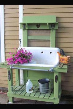 Way too cool potting bench. Great use of a recycled old sink! Cute idea to use an old sink in a potting bench! Outdoor Projects, Garden Projects, Outdoor Sinks, Outdoor Garden Sink, Garden Benches, Old Sink, Potting Tables, Potting Bench With Sink, Potting Sheds