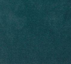 Robert Kaufman Hausdesigner - Lush Velveteen - Lush Velveteen in Celestial - Baumwolle bleu clair couleur High Headboards, Peacock Fabric, Fabricut Fabrics, Velvet Upholstery Fabric, Andover Fabrics, Blue Texture, Ligne Roset, Loveseat Sofa, Sofa Set