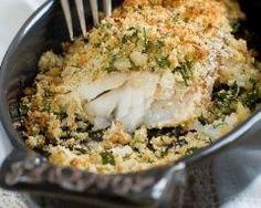Poisson en croûte d'herbes : http://www.cuisineaz.com/recettes/poisson-en-croute-d-herbes-79183.aspx