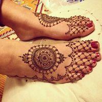 Stunning Feet By Leeds Mehndi. Mehndi Tattoo, 1 Tattoo, Henna Tattoo Designs, Henna Mehndi, Mehendi, Henna Feet, Henna Tattoos, Tattoo Ideas, Wedding Henna Designs