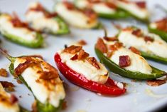 Goat Cheese-Stuffed Peppers with Honey and Bacon Goat Cheese Jalapeno Poppers with Honey and Bacon Recipe Snacks Für Party, Appetizers For Party, Appetizer Recipes, Bacon Appetizers, Bacon Recipes, Cooking Recipes, Healthy Recipes, Vegaterian Recipes, Vegemite Recipes