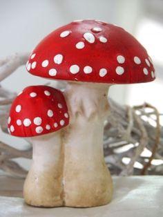 Fliegenpilz-Pilz-Advent-Weihnachten-Herbst-Deko-Tischdeko Slab Pottery, Pottery Art, Sculpture Clay, Sculptures, Chicken Garden, Mushroom Art, Ceramics Projects, Paperclay, Air Dry Clay