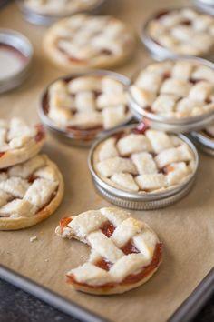 Mini Mason Jar Lid Strawberry Pies