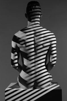 NodiME: I prefer a nude clean body without any marks   like tatoes and rather with some occasional decorations like shadows, natural lights, bodypaint, jewellery, accessories ... They can be varied any time to please without the forced imposition of a definive auto-inflicted flaw. #backside #backsides #backs