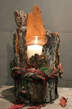 Подсвечник artesanato ideias decoração natalina passo a passo mesa posta arranjo faça vc mesmo diy presente centrodemesa pinha artesanais mesa de natal ceia de natal Rustic Christmas, Christmas Time, Scandinavian Christmas, Christmas Ideas, Deco Nature, Christmas Candle Holders, Christmas Candles, Christmas Fireplace, Christmas Ornament
