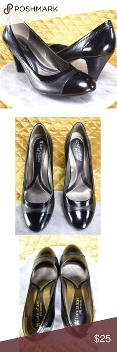 Naturalizer N5 Comfort Black Silver Pumps Size 7M Women's beautiful black & silver leather pumps. These are almost brand new! Were only worn once for a special occasion. Very comfortable & clean! Happy to answer any questions you may have!  **If you appreciate old school quality - you're in the right place. We don't just sell products, we put time & work into them. We ship FAST, usually within 1 business day! Thank you for Poshing in my Closet! Naturalizer Shoes Heels