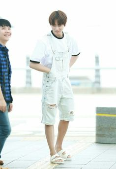 [160608] BTS Arrival at Taoyuan International Airport – Taiwan cute boy >///< #BTS #jungkook #goldenmaknae