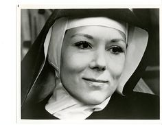 In This House of Brede Poster A well-to-do London businesswoman gives up her comfortable life, including the man who loves her, to become a cloistered Benedictine nun. Diana Riggs, 1960s Tv Shows, Dame Diana Rigg, Emma Peel, Bowler Hat, Pop Songs, English Actresses, Business Women, Kinky