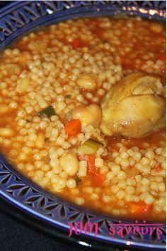 Bonjour à tous, Je vous propose aujourdhui une délicieuse recette d'hiver, je vous met la version algérienne qu'on appelle Berkoukes (et Aich dans l'est, là d'ou vient mon mari) mais on retrouve également ce plat au Maroc (sous le nom de berkoukech) et... Couscous, Plats Ramadan, Algerian Recipes, Algerian Food, Heritage Recipe, Vegetarian Recipes, Cooking Recipes, Ramadan Recipes, Exotic Food