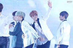 [Picture/Fansitesnap] BTS at 2015 KBS Gayo Daechukjae [151230] | btsdiary