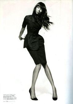 Naomi Campbell w ELLE US, luty 2013 / fot. Thomas Whiteside, skan