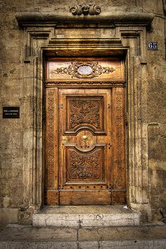 """Open the door. it may lead you someplace you never expected."" ❤️ Doors of Provence! Wishing you a beautiful weekend. Cool Doors, The Doors, Windows And Doors, Grand Entrance, Entrance Doors, Doorway, Aix En Provence, Provence France, Porte Cochere"