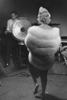 Marilyn Monroeon on the Richard Avedon's studio, 1954