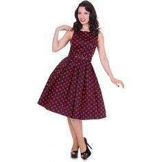 This gorgeous pin up girl style dress has been cut to compliment your curves! The retro frock features a lovely flattering fitted bodice, simple bateau neckline, full swinging skirt with box pleats and a super stylish polka dot print. The retro dress Rockabilly Dress, Mode Rockabilly, Retro Dress, Vintage Style Dresses, 50s Dresses, Nice Dresses, Fashion Dresses, Rock And Roll, Pin Up