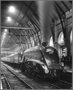 "♥•✞•♥•.¸¸King's Cross railway station♥•✞•♥•.¸¸ Could be ""The Mallard"" or Flying Scotsman !"