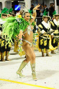 Em pleno dia do samba, veja quem são as rainhas do Carnaval no Brasil - Abril.com