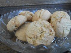 Gluténmentes keksz tejmentesen elkészítve Ezt a tejmentes és gluténmentes keksz receptet Mona készítette, amelyet a gluténmentes sütőbemutatón együtt készít el az érdeklődőkkel.