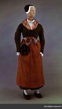 kvinnodräkt, Offerdals socken, Jämtland. | Photo: Wåger, Ulla Folk Costume, Costumes, Folklore, Traditional Outfits, Norway, Scandinavian, Boards, Girls, Clothes