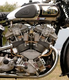 Ajs Motorcycles, Antique Motorcycles, American Motorcycles, Motos Vintage, Vintage Bikes, Retro Motorcycle, Motorcycle Design, Women Motorcycle, Motorcycle Quotes