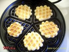 Romanian Food, Romanian Recipes, Waffle Iron, Waffles, Cake Recipes, Biscuits, Food And Drink, Sweets, Vegan